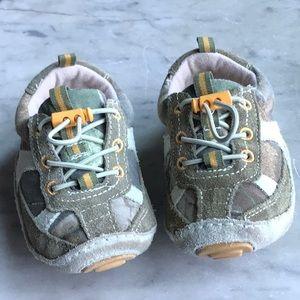 Boy's soft bottom sneaker shoe